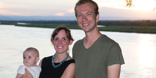 Anne, Chris en Élodie in Uganda