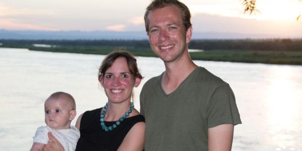 Anne, Chris en Élodie in Uganda