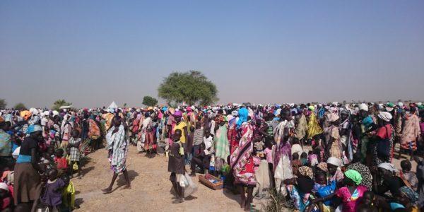 Food distribution in Thonyor, Leer County